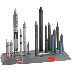 85-7860 USA/URSS Missile Set - Revell - REV-7860